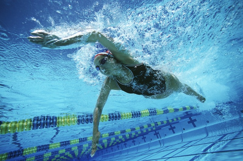 How swimming can boost your Health Score (Moodboard)