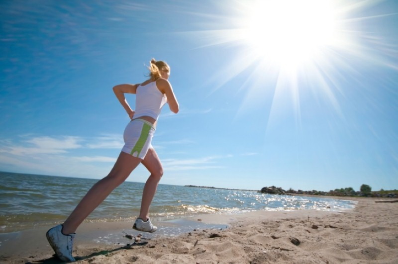 Tips for keeping fit in the summer heat (Thinkstock)
